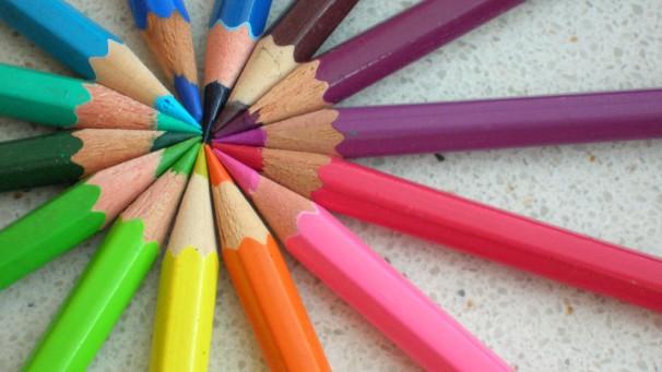 Brasileiro antecipa a compra do material escolar em 2015